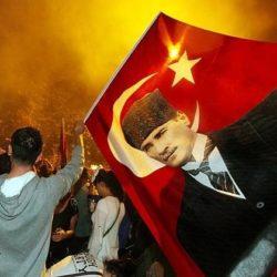 Почему Навальный не Ататюрк